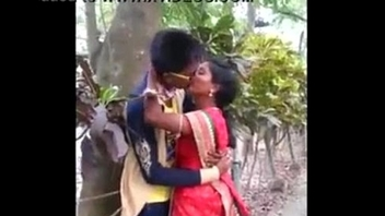 Indian Aunty caught kissing adjacent to park - 20 number two   xvideos.com d28b9e91ad6f1a91