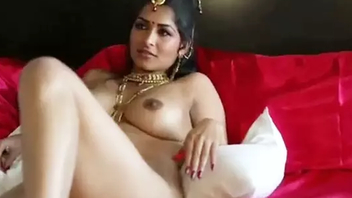 Virgin and beautiful Indian MILF Maya Rati in saree stripteases