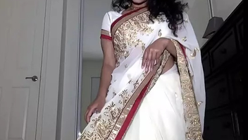 Desi Bhabhi Maya Rati In White Saree Getting Empty And Plays With Pussy