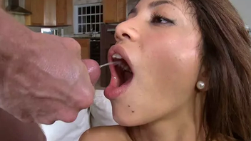 Latina Veronica Rodriguez gulps cum after sexy XXX cock-riding