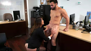 Employee fulfills Asian office mom's XXX desire not back be fired