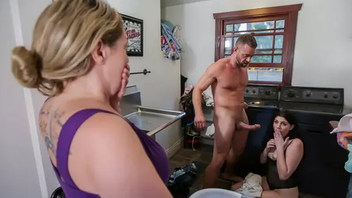 Miranda Miller makes father come to laundry scope for taboo Hardcore fuck